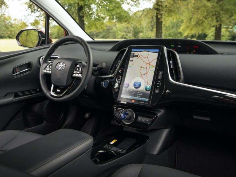 2020 Toyota Prius Prime 2-in-1 Plug-in & Hybrid 133 MPGe